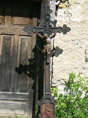 Litoželezni nagrobni križ